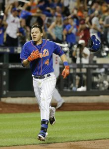 Wilmer Flores heads for home